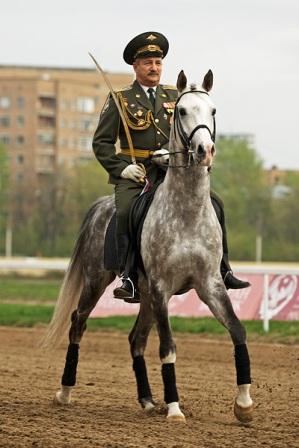 Жуковский на параде верхом