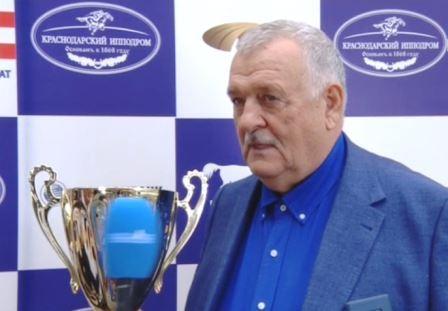 Толстопятов дает интервью